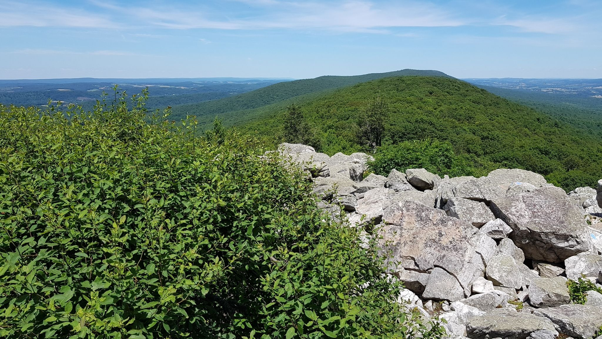 Best Trails in Hawk Mountain Sanctuary - Pennsylvania ... on regions of texas with cities, cartoon sanctuary cities, map of state of georgia cities, stop sanctuary cities, ohio map with cities, map of edith read sanctuary, tent city in sanctuary cities, california cities, map of memphis cities,